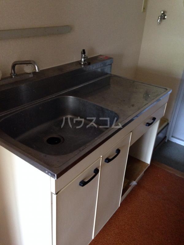 クレドボヌール 110号室のキッチン