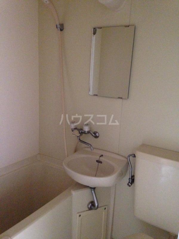 クレドボヌール 110号室の風呂