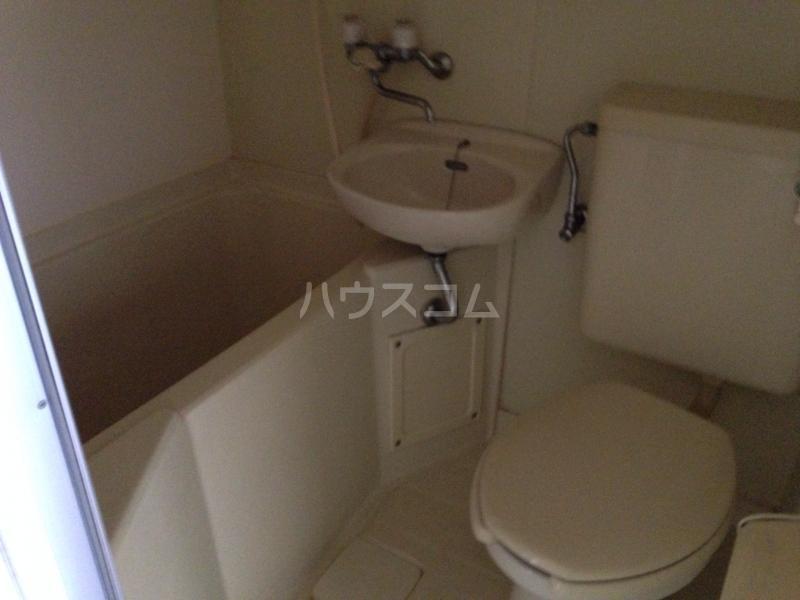 クレドボヌール 110号室のトイレ