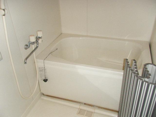 ファーストマンション 305号室の風呂