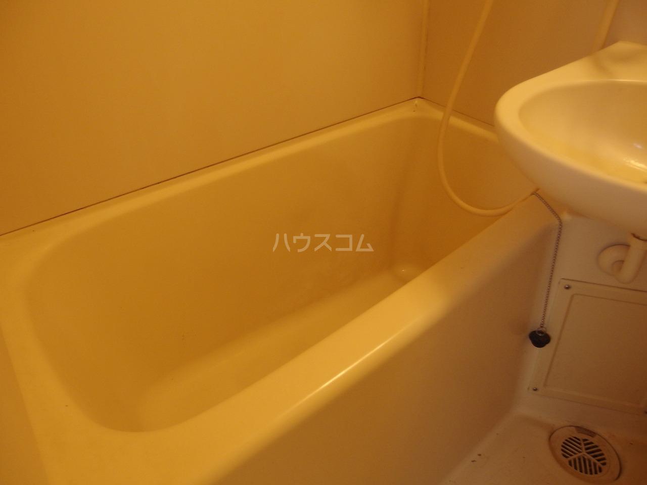フラット程久保 103号室の風呂