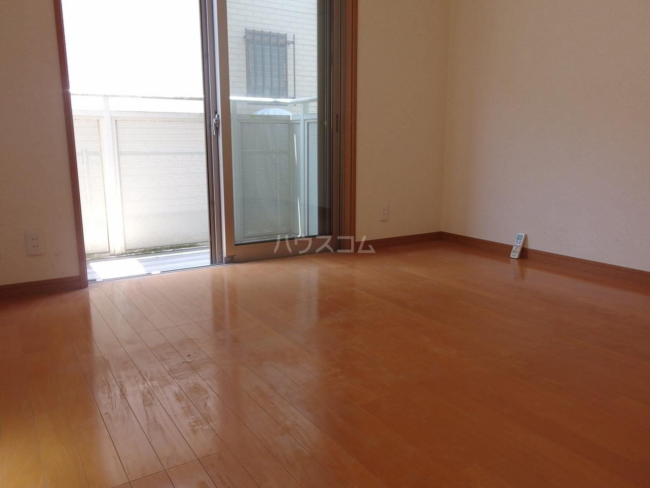 コート・ドールA 102号室の居室