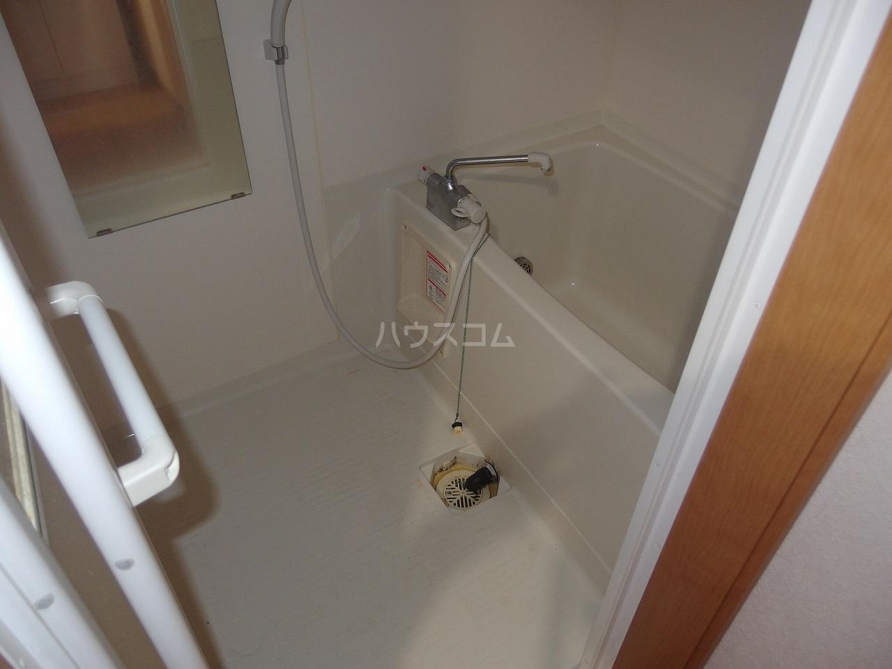 コート・ドールA 102号室の風呂