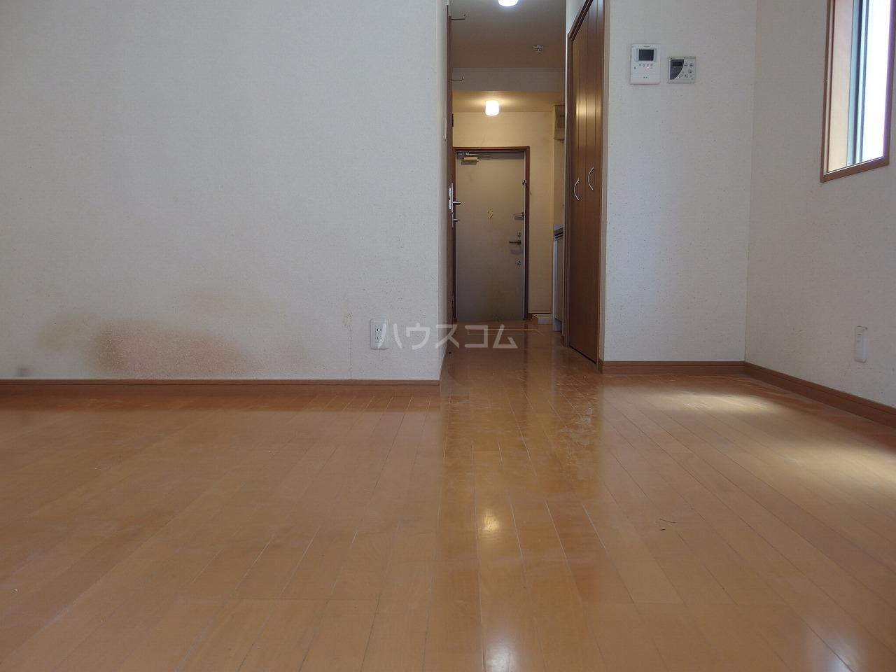 コート・ドールA 102号室のリビング