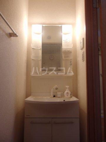 コート・ドールA 102号室の洗面所
