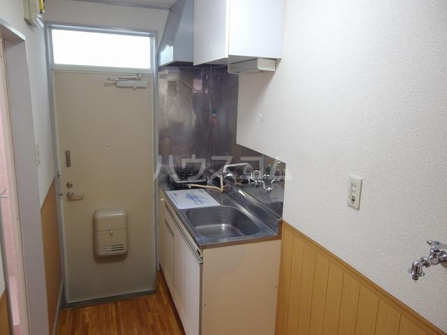 フロムココⅡ 106号室のキッチン