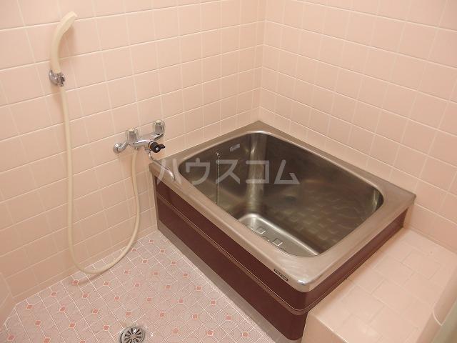 フロムココⅡ 106号室の風呂
