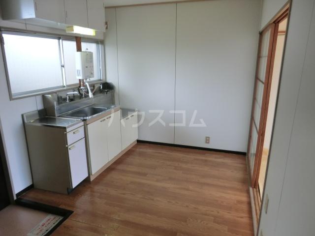 グリーンハイツ 2F号室のキッチン