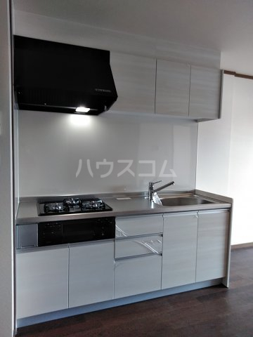 シャトル古城 201号室のキッチン