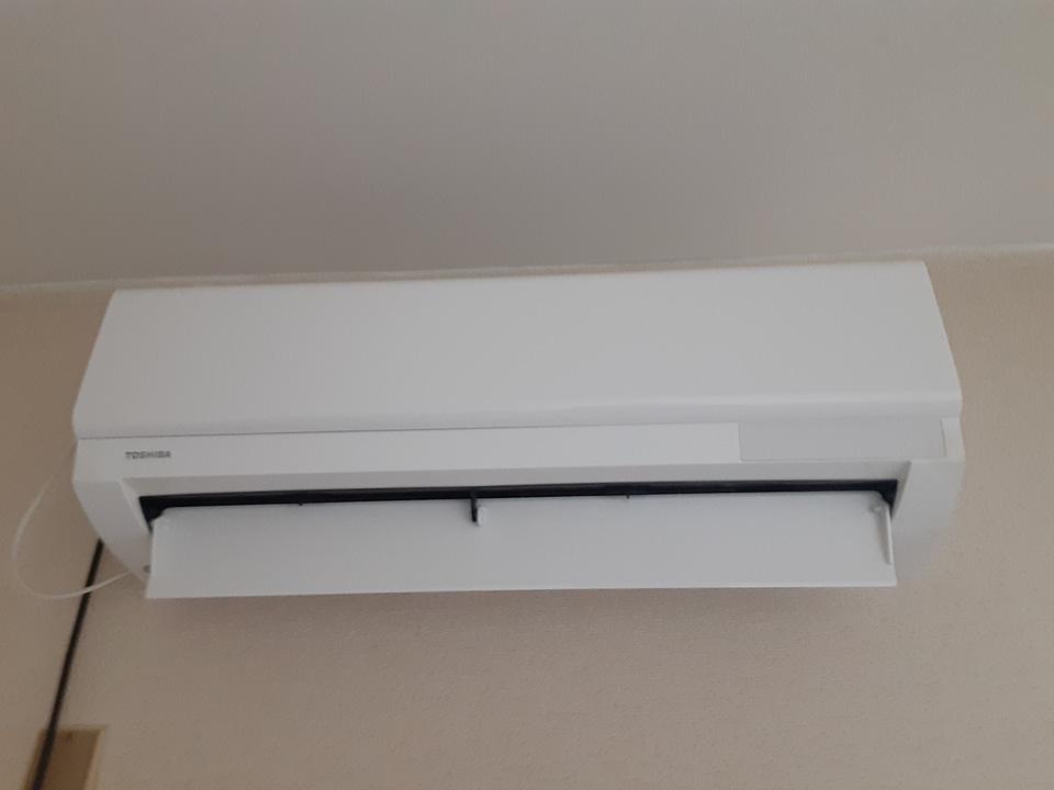松山荘 8号室のエントランス