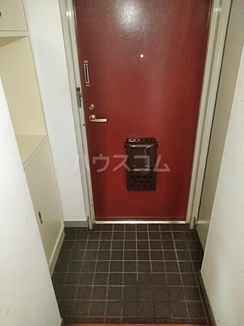 ハイメゾン橋本六 303号室の玄関