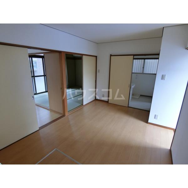 阿部アパート 101号室のリビング