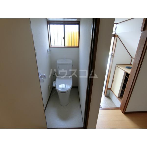 阿部アパート 101号室のトイレ
