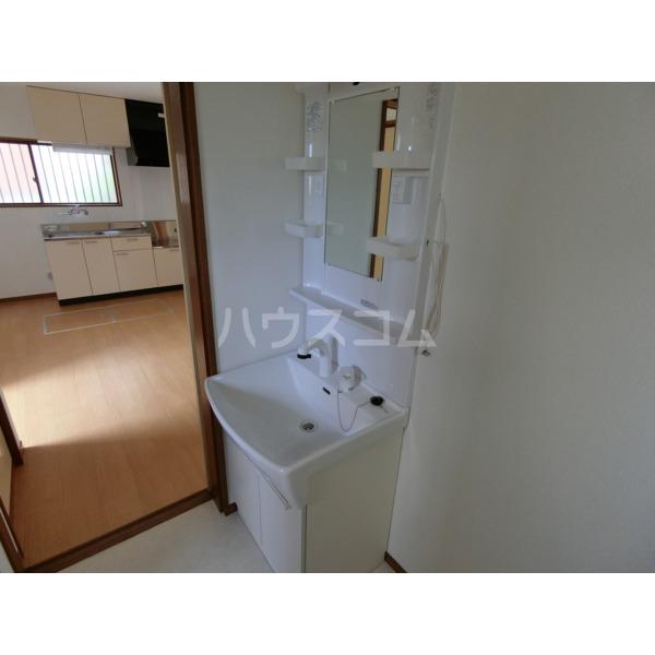 阿部アパート 101号室の洗面所