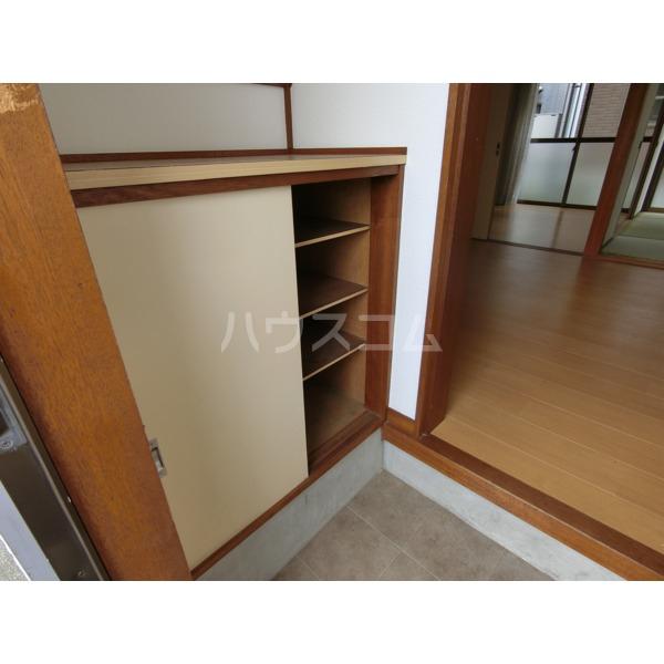 阿部アパート 101号室の玄関