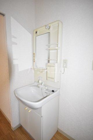 フレグランス久保田 00205号室の収納