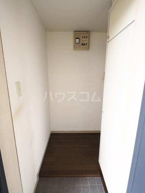 エスペランサ新守山 101号室の玄関