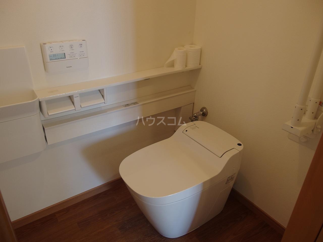 多摩南平パークスクエア 1103号室のトイレ