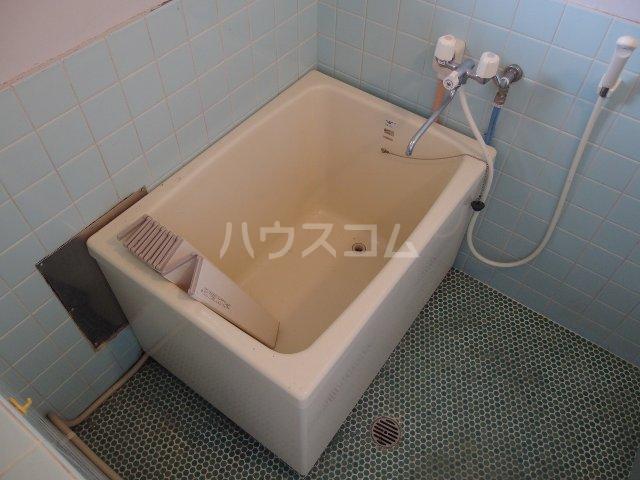 英進ハイツ 106号室の風呂