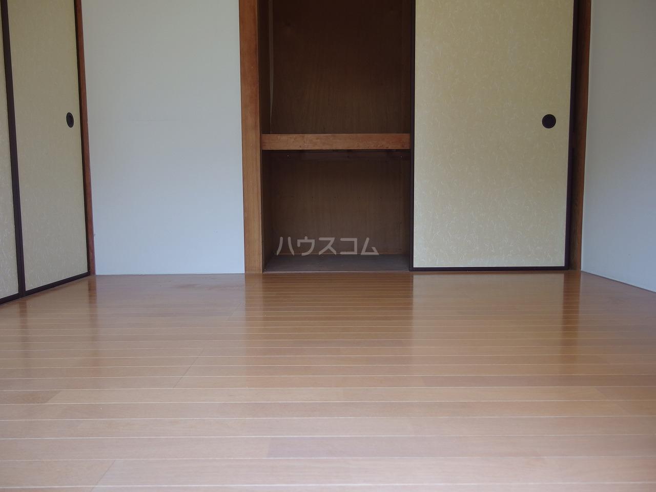 英進ハイツ 106号室の居室