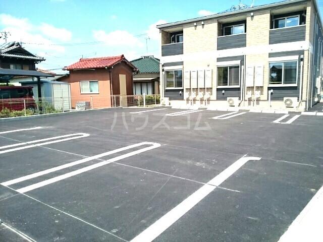 アンクリッシュⅡ 01020号室の駐車場