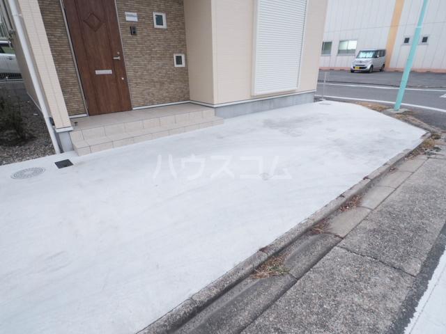 カーサ金田町の駐車場