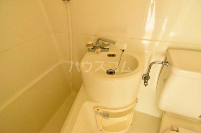 エクセレントハイム 204号室の洗面所