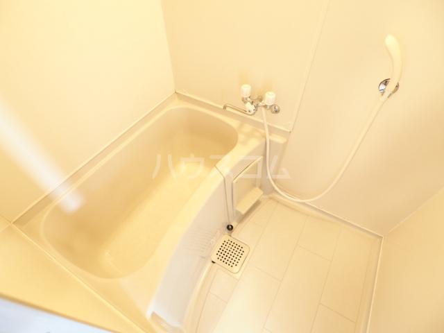 アークハウス中切 4A号室の風呂