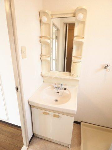 アークハウス中切 4A号室の洗面所