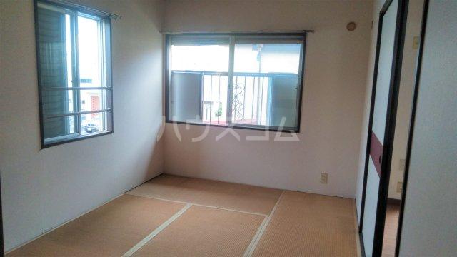 メゾン藤 201号室の居室