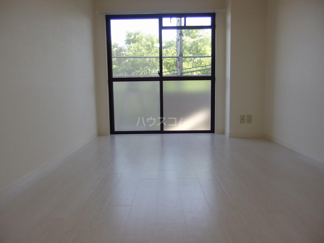 スターライトヴィラ2 305号室の居室