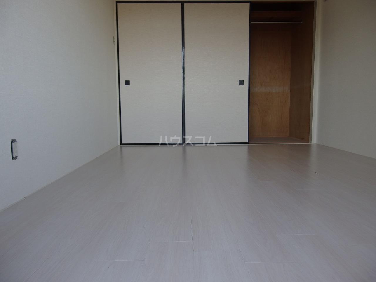 スターライトヴィラ2 202号室の居室