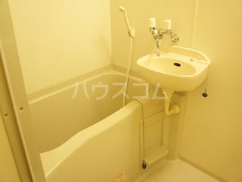 レオパレスサンカトレア 102号室の風呂