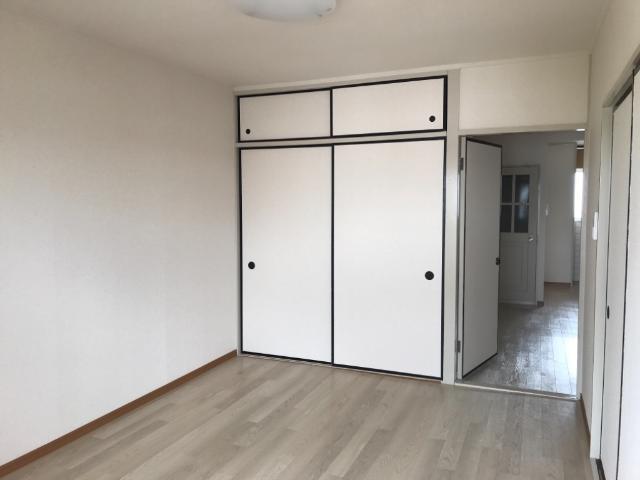 リリーハイム 402号室のベッドルーム
