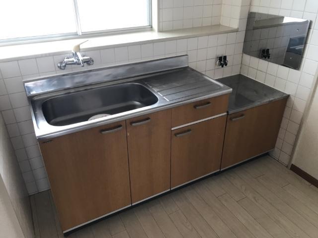 リリーハイム 402号室のキッチン