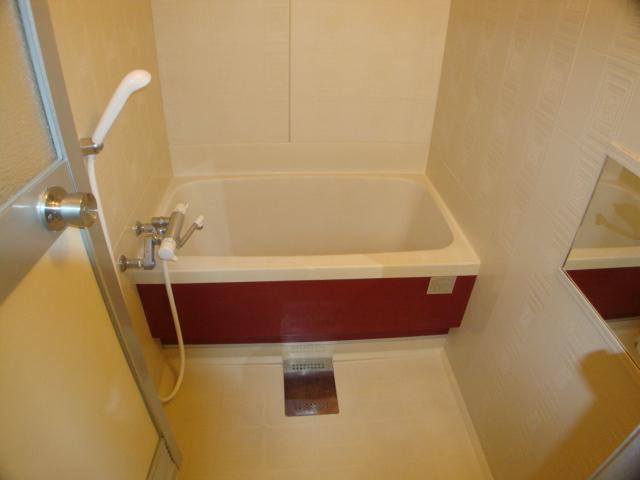 リリーハイム 402号室の風呂