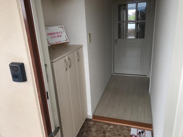 リリーハイム 402号室の玄関
