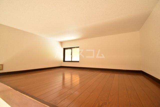 グランモア若葉 101号室の居室