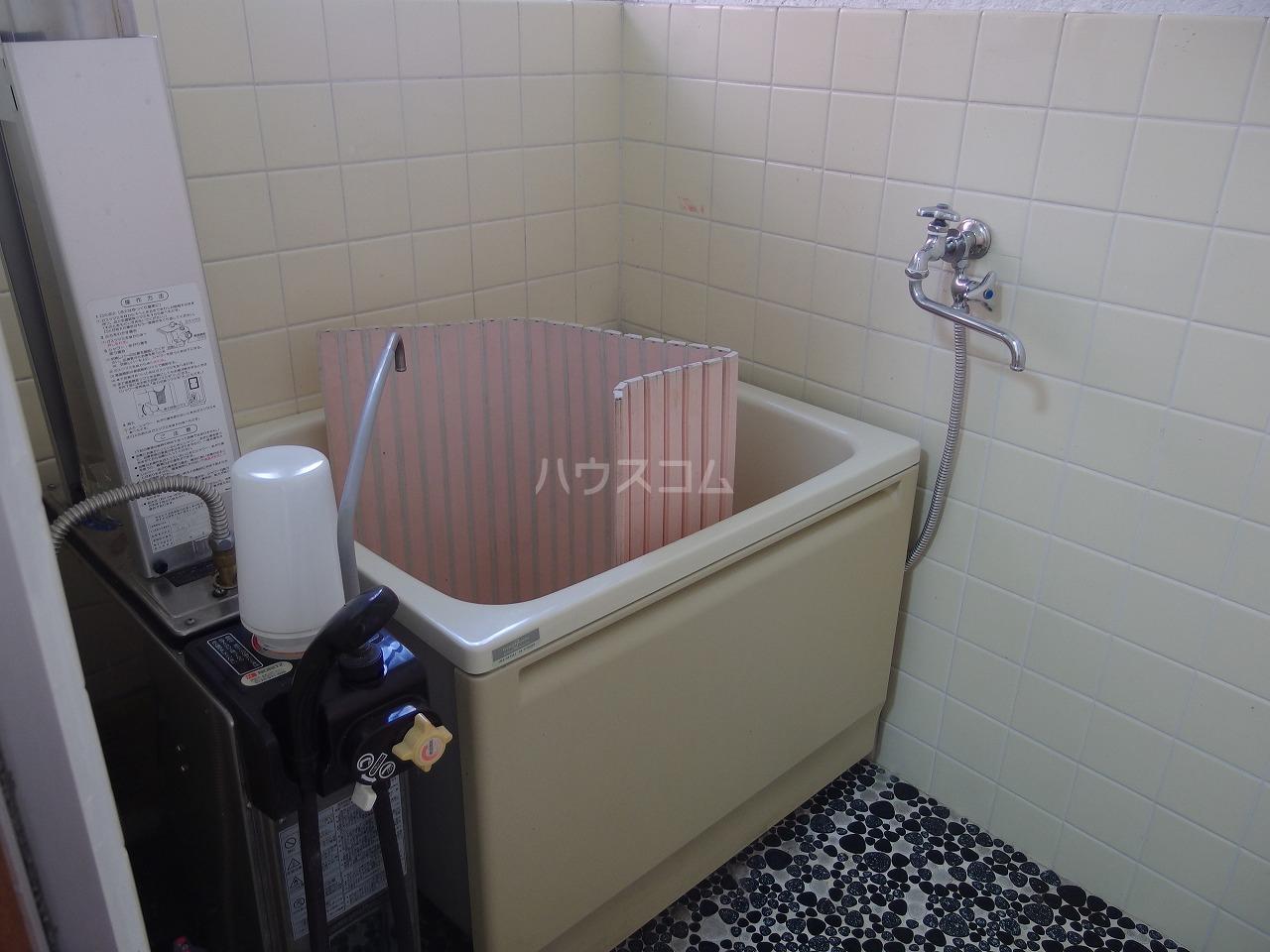 若菜荘 102号室の風呂