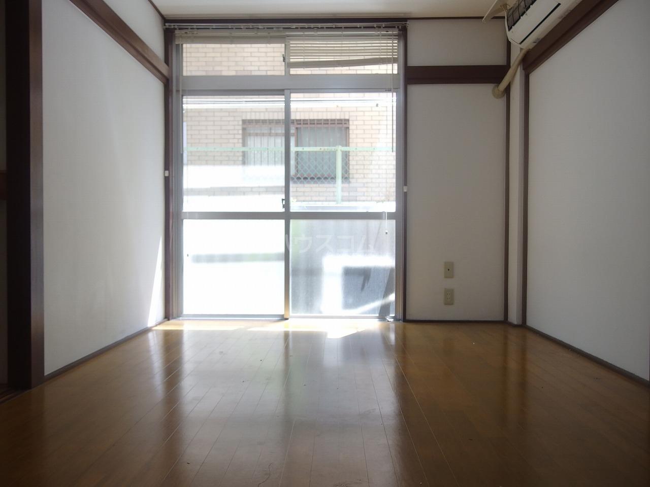コーポヒルサイド 105号室の居室