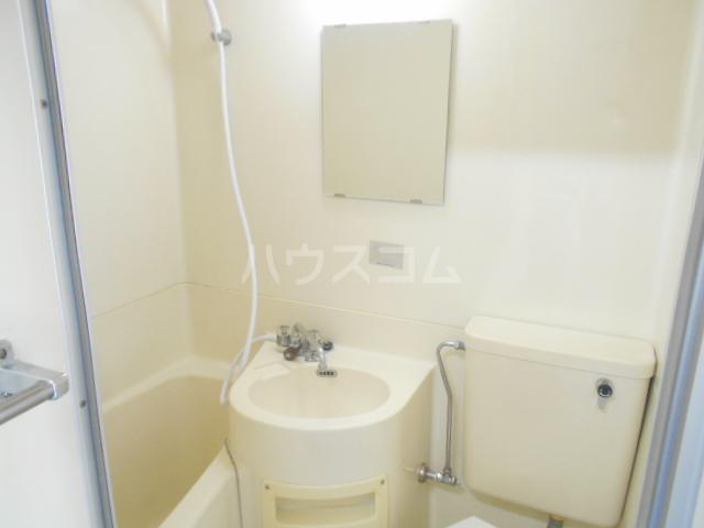ストークレジデンス・ナカザワ 105号室の洗面所