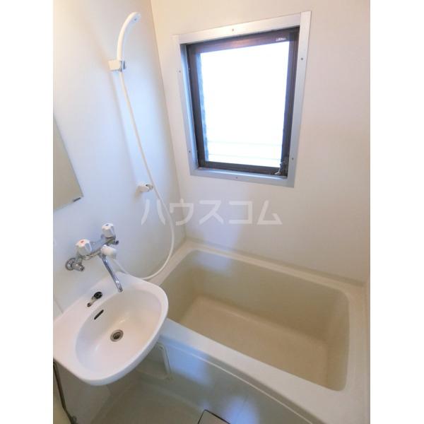 ガーデニアヒルズ 303号室の風呂