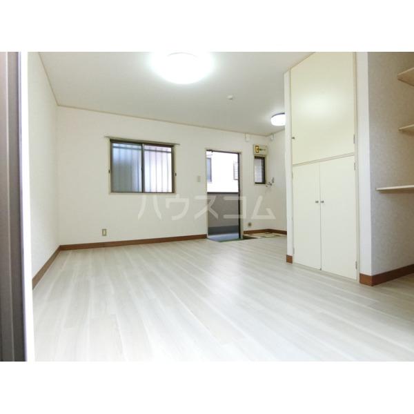 ガーデニアヒルズ 303号室の居室