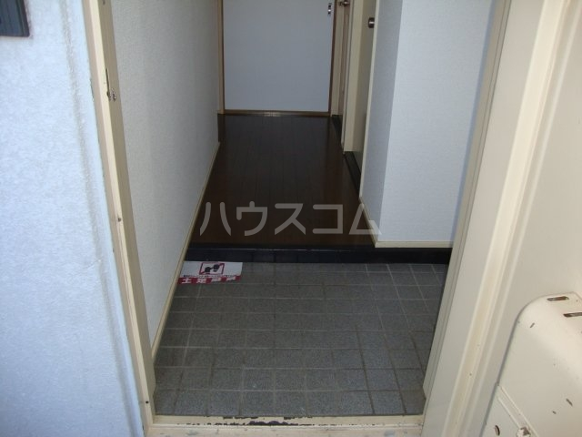 タクミハイツ93 102号室の玄関
