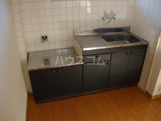 タクミハイツ93 102号室のキッチン