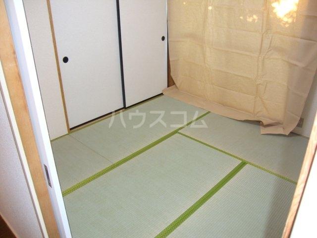 タクミハイツ93 102号室のベッドルーム