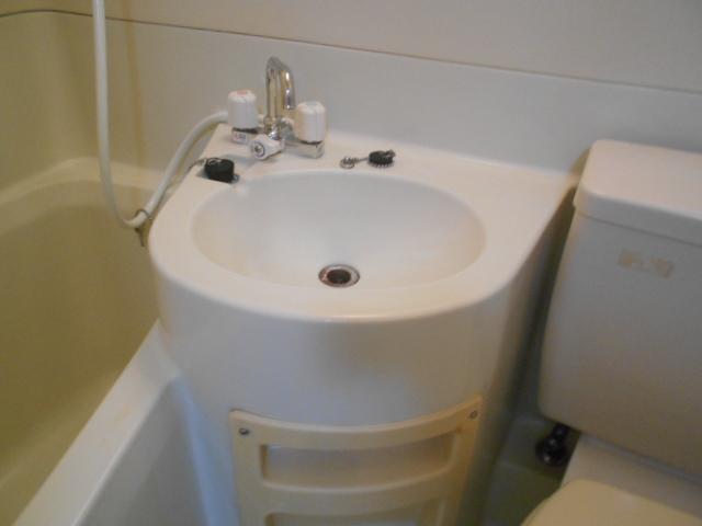 コーポ竹之内A 101号室の洗面所