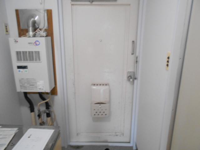 コーポ竹之内A 101号室の玄関