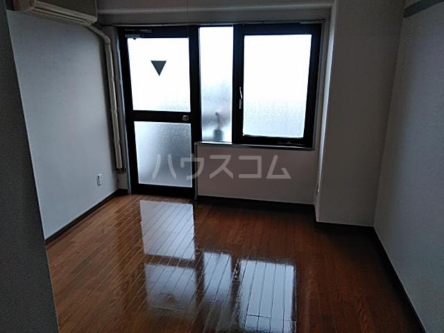 シオン八王子 303号室のリビング
