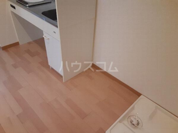 プリミエール・レンナ 201号室のキッチン